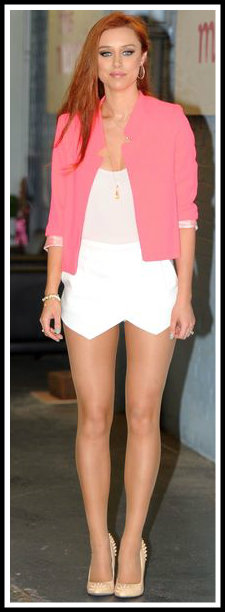 Una Healy spotted In a skort