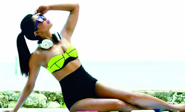 PRIYANKA CHOPRA EXOTIC PICS-bikini-07-08-2013