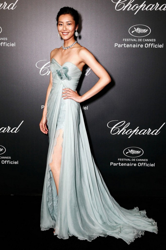 studded hearts elie saab-film-festival-2014-liu-wen-in-elibe-saab-dress-gown