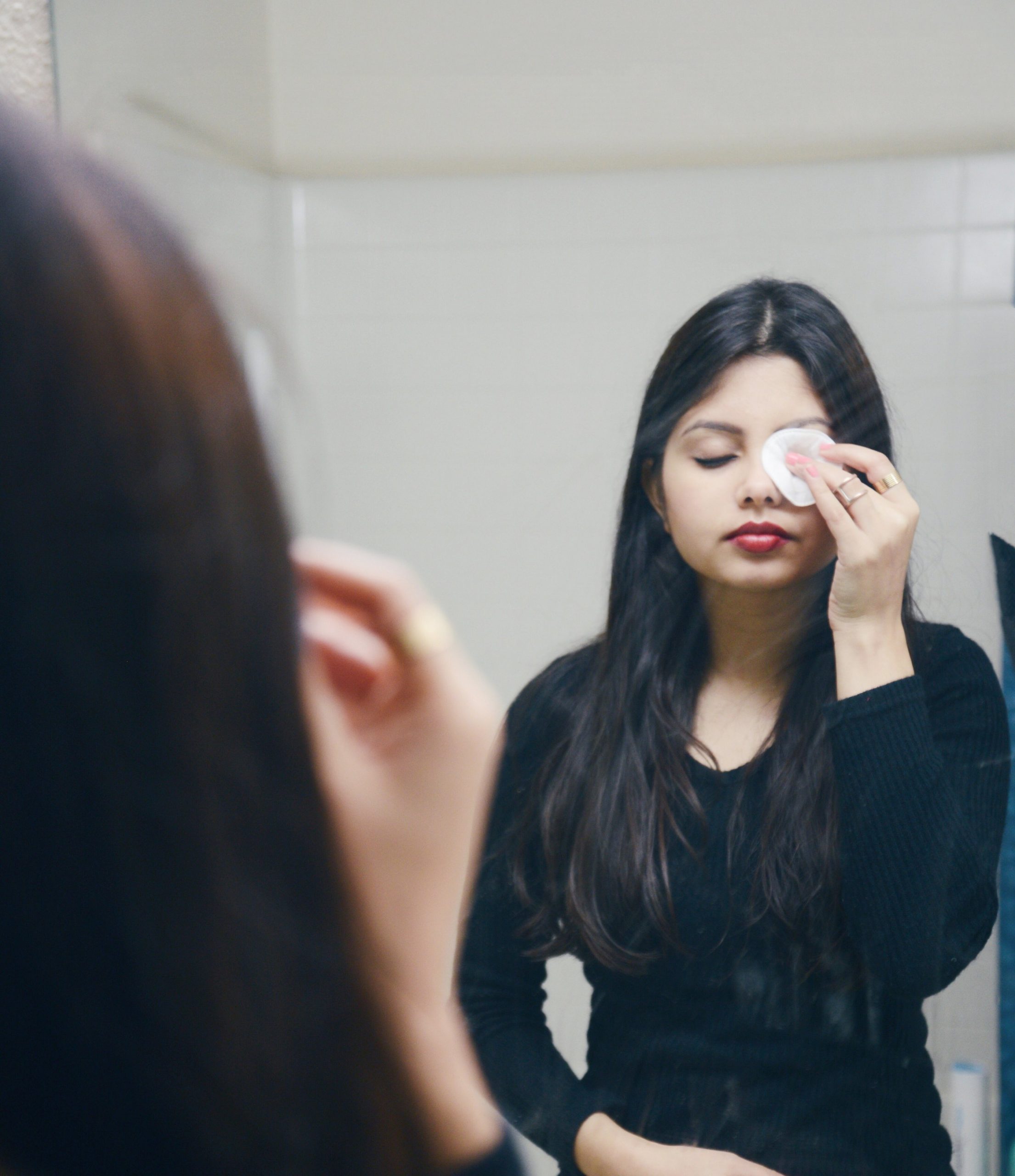 5 Mistakes You Are Making While Removing Your Eye Makeup