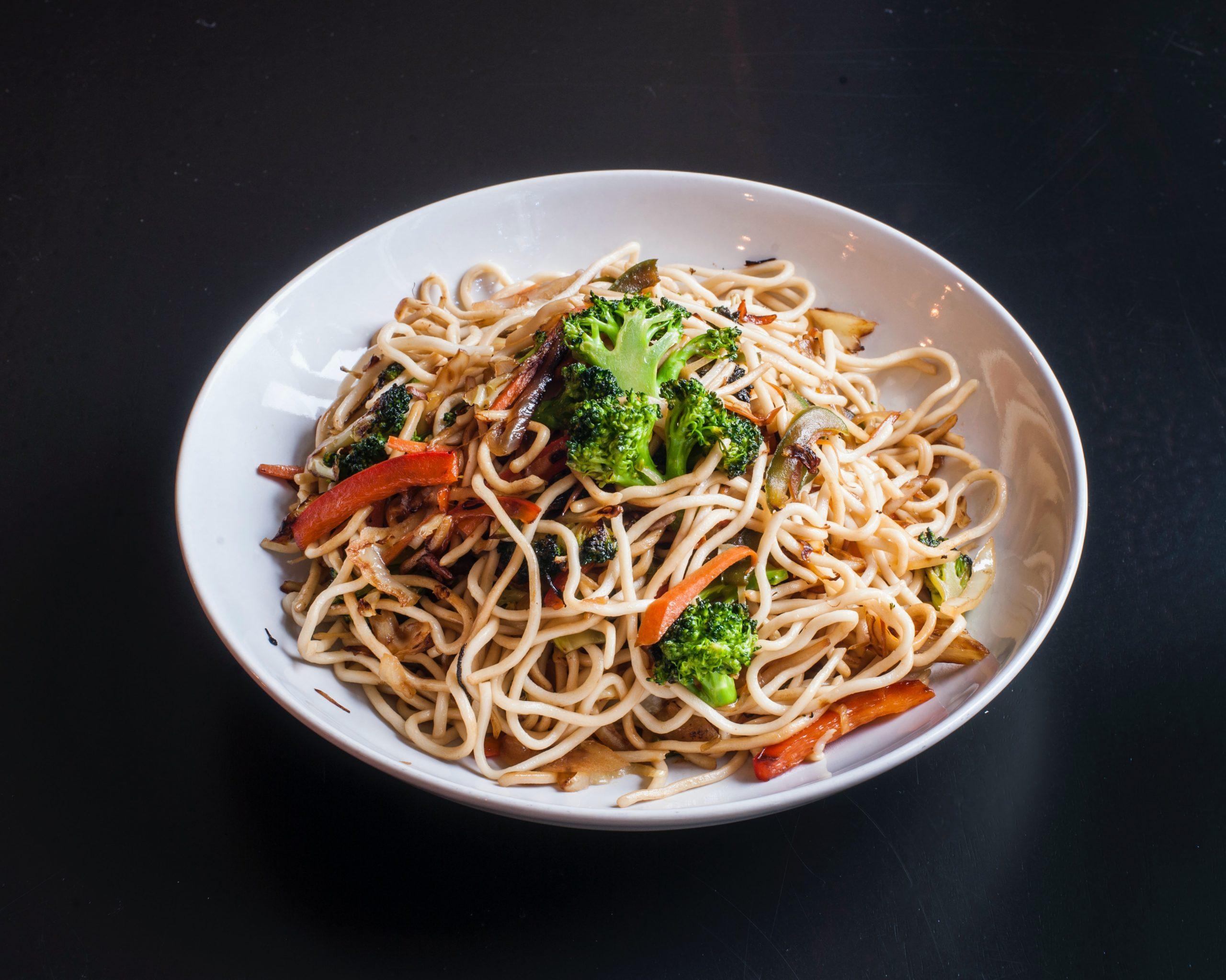 Indian Chinese Recipe- Hakka Noodles & Stir Fried Tofu